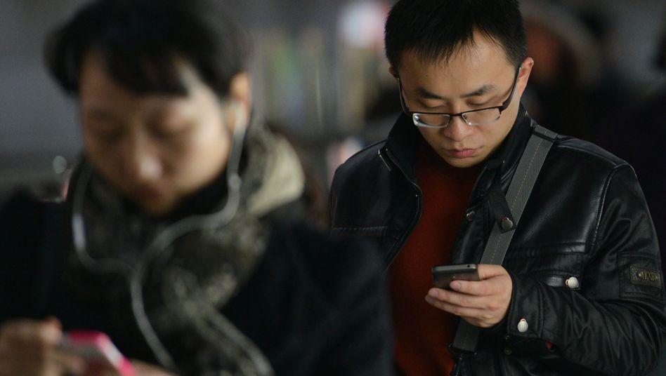 Smartphone-Nutzer in Shanghai