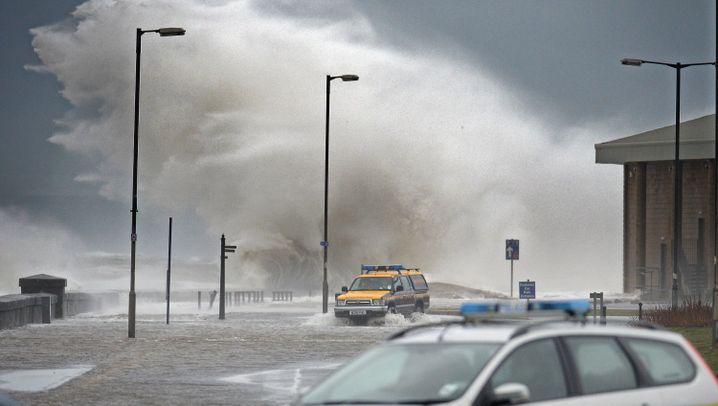 Großbritannien: 2014 beginnt mit Überschwemmungen