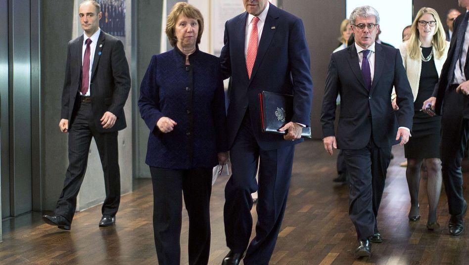 Unterhändler Kerry, Ashton, Kollegen in Genf: Auch Russland ist dabei