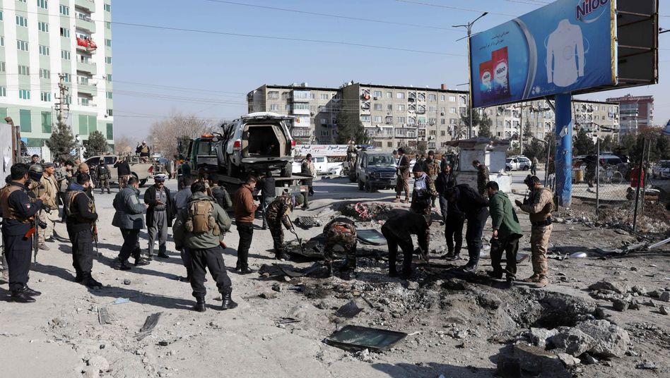 Szene nach dem Bombenanschlag in Kabul: Zwei Menschen kamen dabei ums Leben