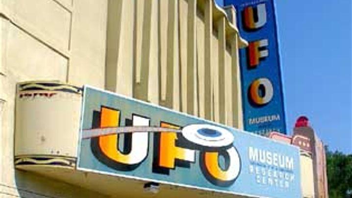 Ufo-Manie: Mit Aliens auf Du und Du