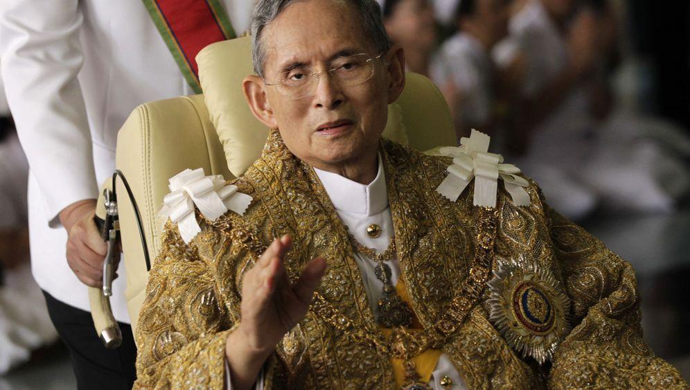 König Bhumibol: Trauer um den Dauer-Monarchen