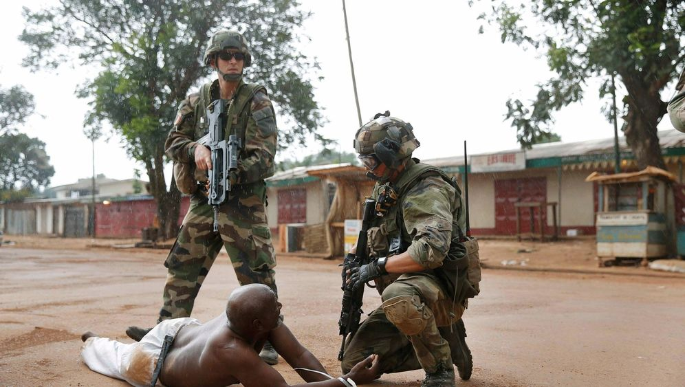 Photo Gallery: France Seeks Europe's Help in Central African Republic