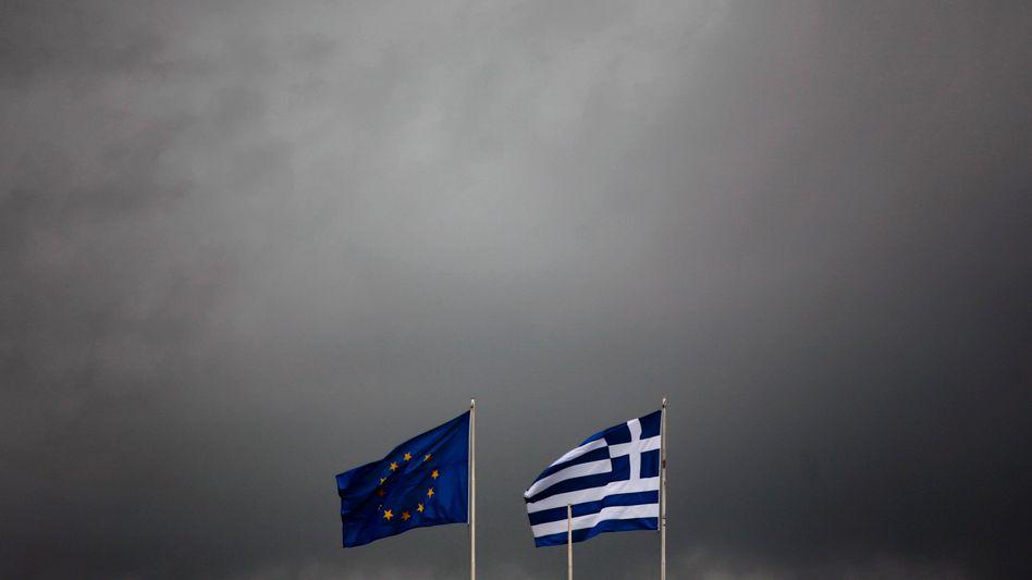 """EU- und griechische Flagge in Athen: """"Wir waren nicht schnell genug"""""""