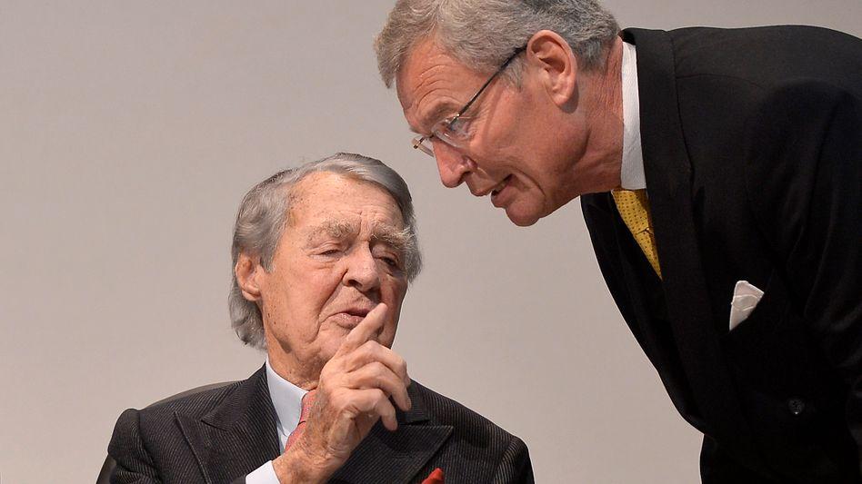 Aufsichtsratschef Cromme (r.) mit Berthold Beitz: Fehler eingeräumt, Rücktritt abgelehnt