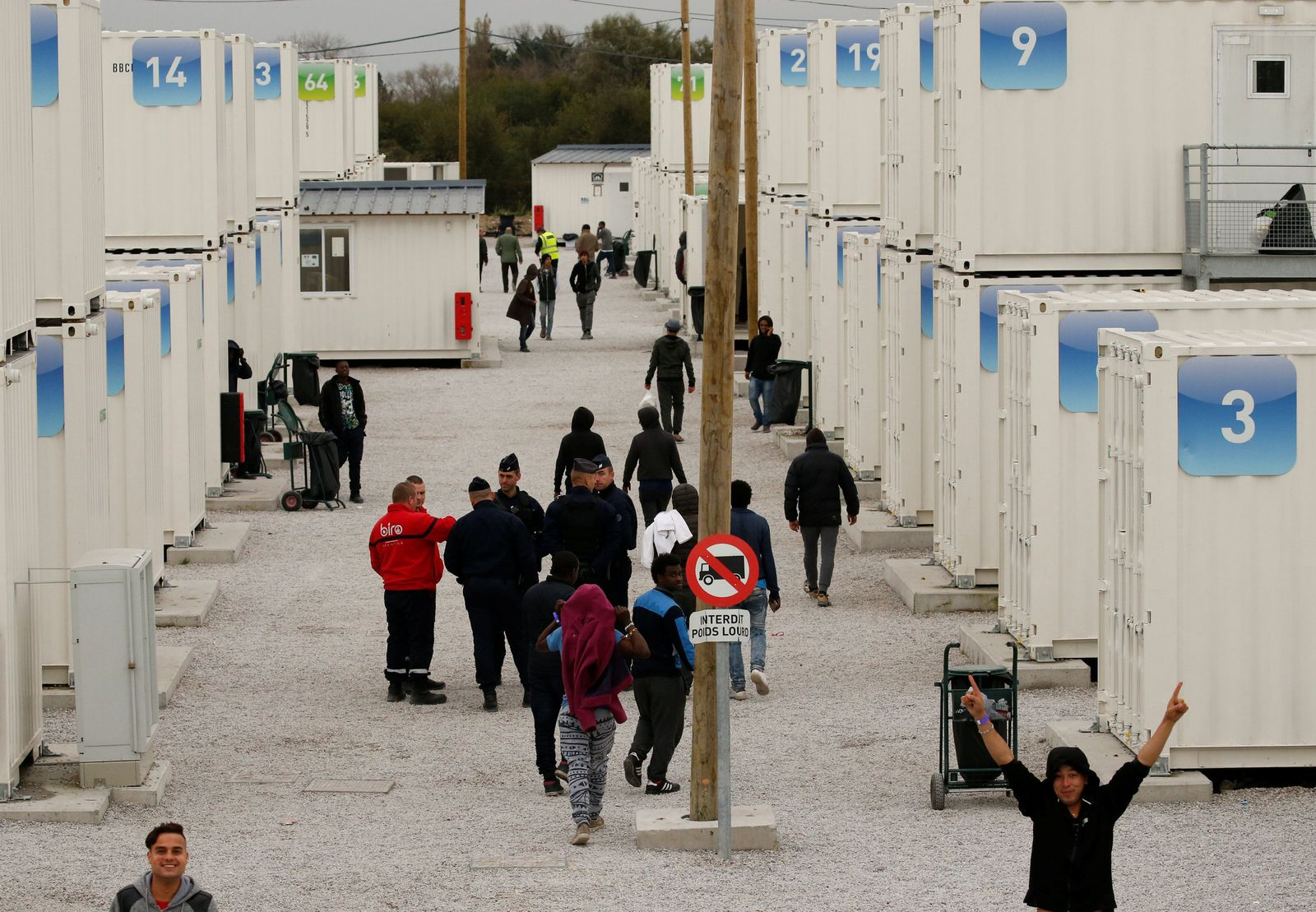 Calais Container Minderjährige