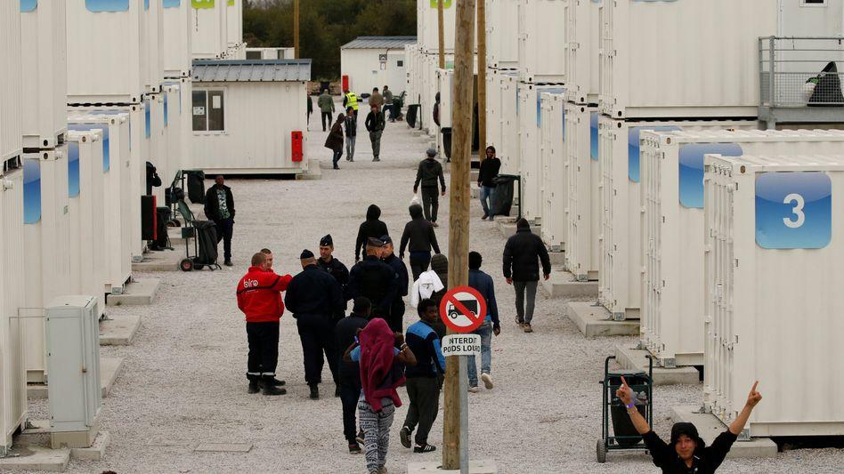 Container für minderjährige Flüchtlinge in Calais