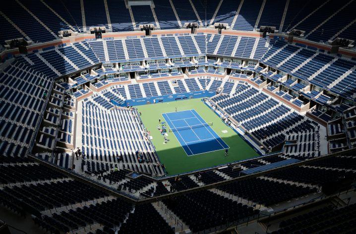 Im größten Tennisstadion der Welt, dem Arhur Ashe Stadion, sollen vor leeren Rängen die US Open ausgetragen werden. Eine gute Idee?