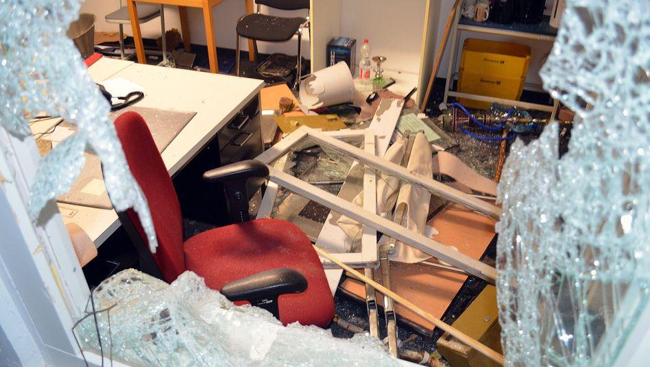 Zerstörtes Büro der Flüchtlingsunterkunft in Suhl (Archiv)