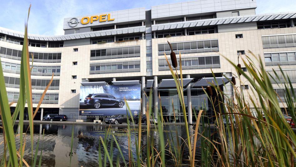 Opel-Haus in Rüsselsheim: Zwangspause für Tausende Mitarbeiter