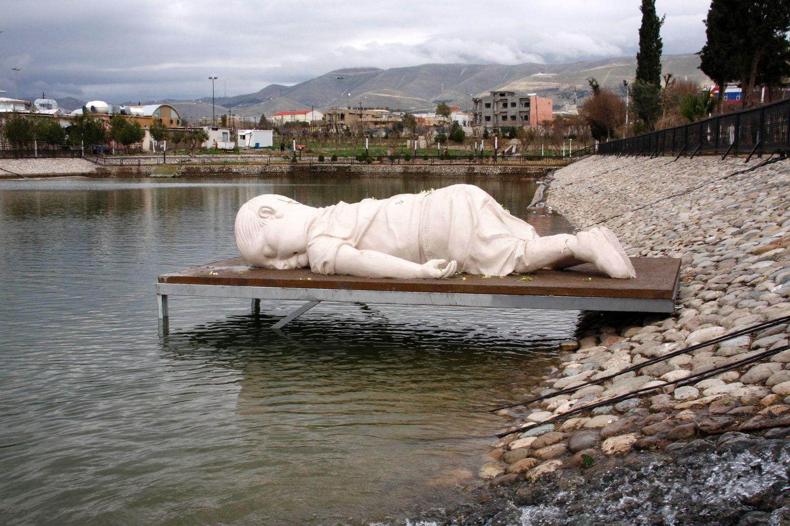 Aylan Kurdi Skulptur Bodrum