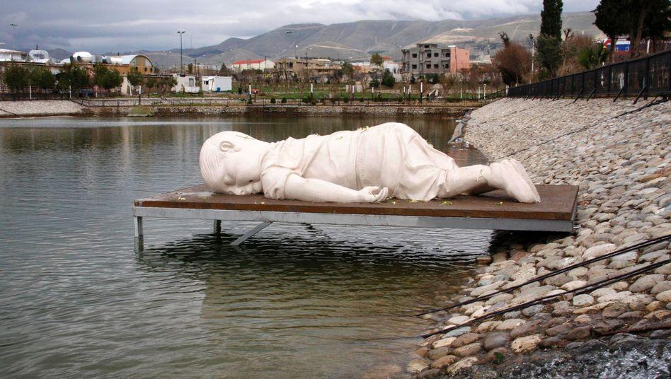 Skulptur des toten syrischen Jungen Aylan Kurdi in Bodrum (2016)