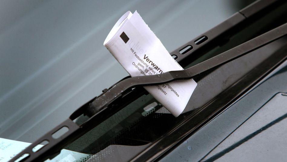 Ein Ticket fürs Falschparken - das wird ab Dienstag deutlich teurer