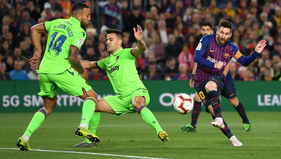 Lionel Messi erzielt den Siegtreffer gegen UD Levante