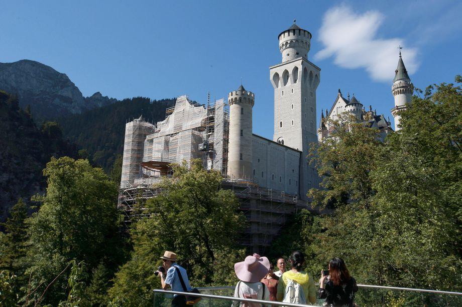 Schloss Neuschwanstein Wird Restauriert Gerust De Luxe Der Spiegel