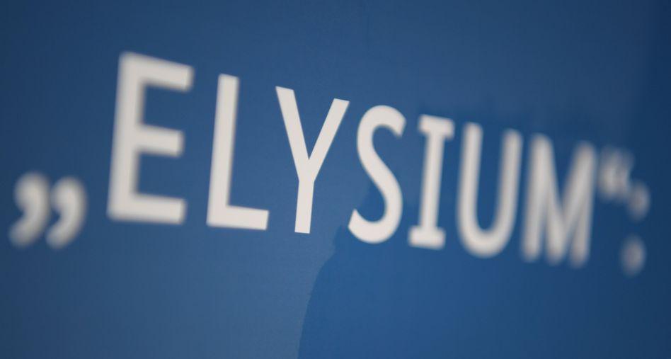 """Das Wort """"Elysium"""" steht am Rande einer Pressekonferenz von BKA"""