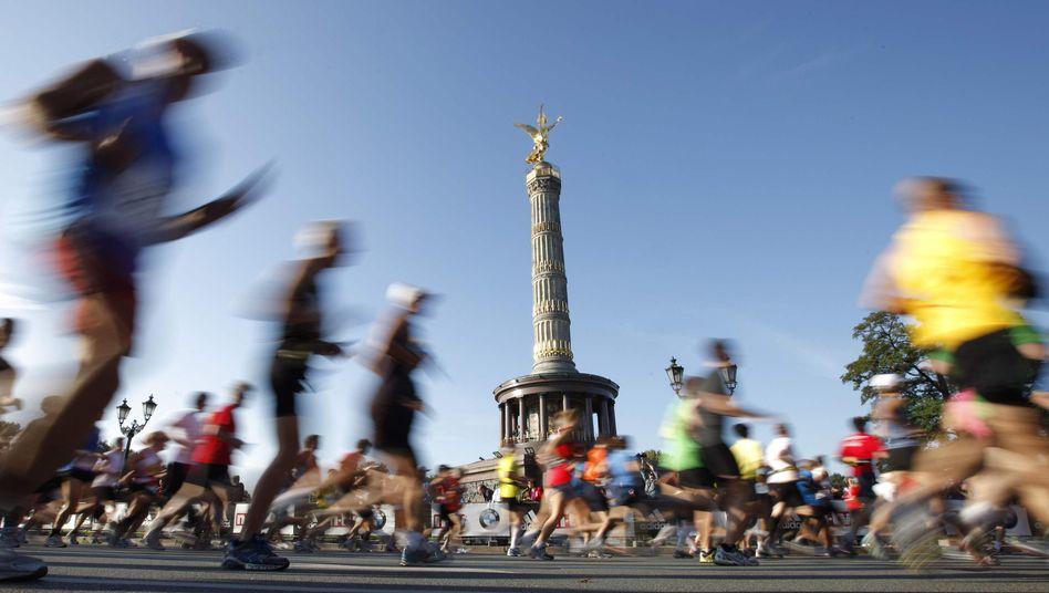 Läufer beim Marathon in Berlin 2011: Ab Kilometer 30 geht es an die Reserven, dann gilt es, den toten Punkt zu überwinden