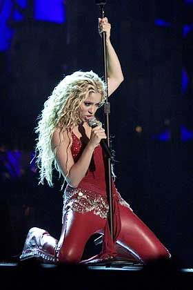 Shakira has been teaching the England team how to shake their hips.