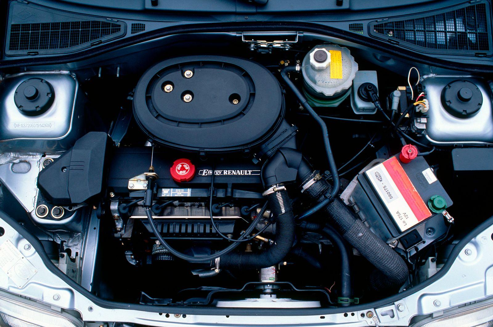 RENAULT CLIO 1,2 RN 3 DOOR - 91 MODEL