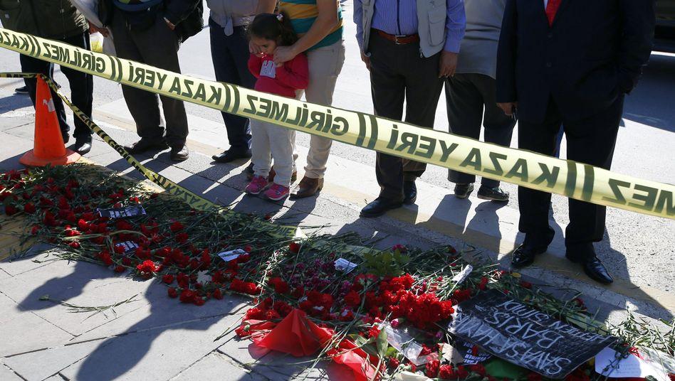 Gedenken in Ankara: Zwei Bomben töteten 97 Menschen