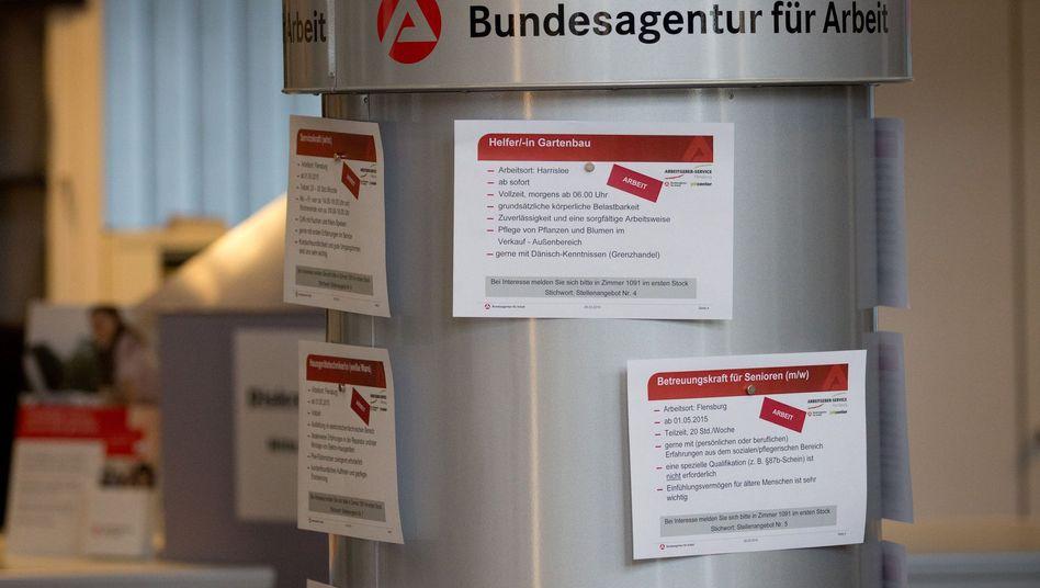 Arbeitsangebote bei der Agentur für Arbeit: Mehr Mitarbeiter sollen kommen