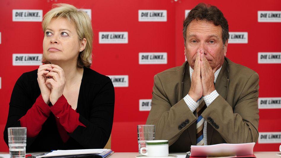 Linke-Chefs Lötzsch und Ernst: Druck von der Parteibasis