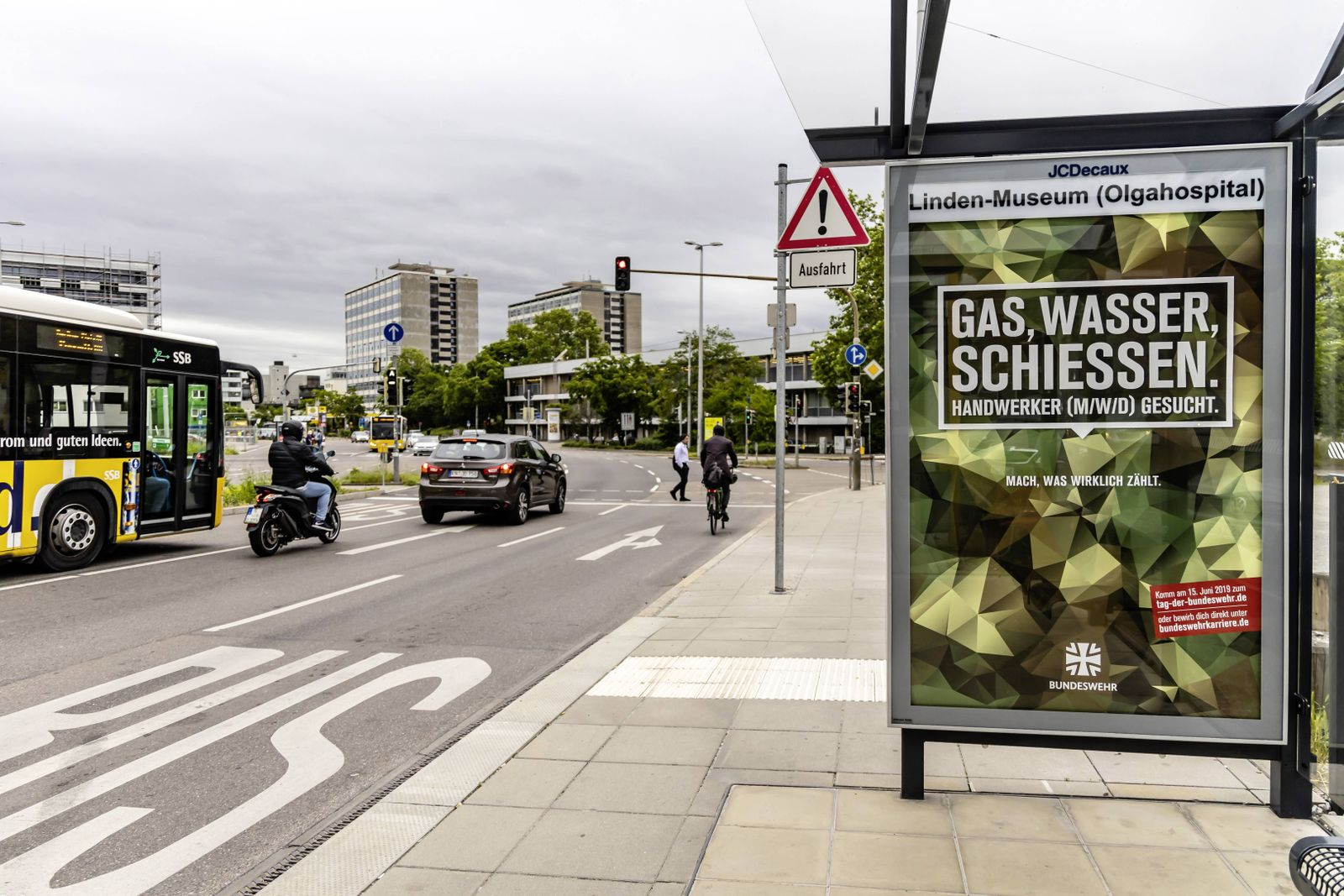 EINMALIGE VERWENDUNG Gas Wasser Schiessen/ Bundeswehr/ Plakat