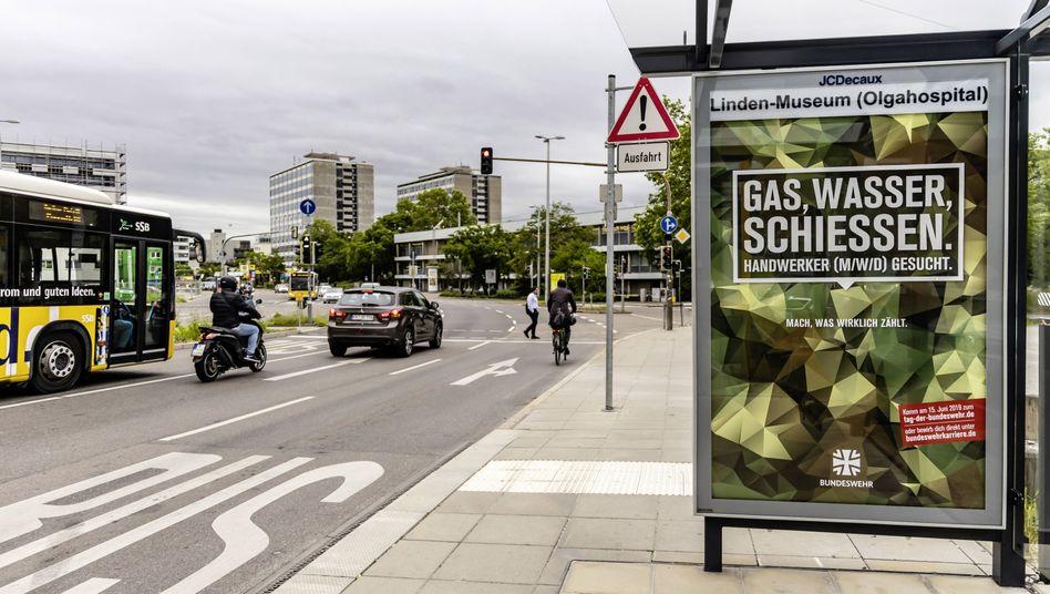 Umstrittene Plakatwerbung der Bundeswehr (hier in Stuttgart)