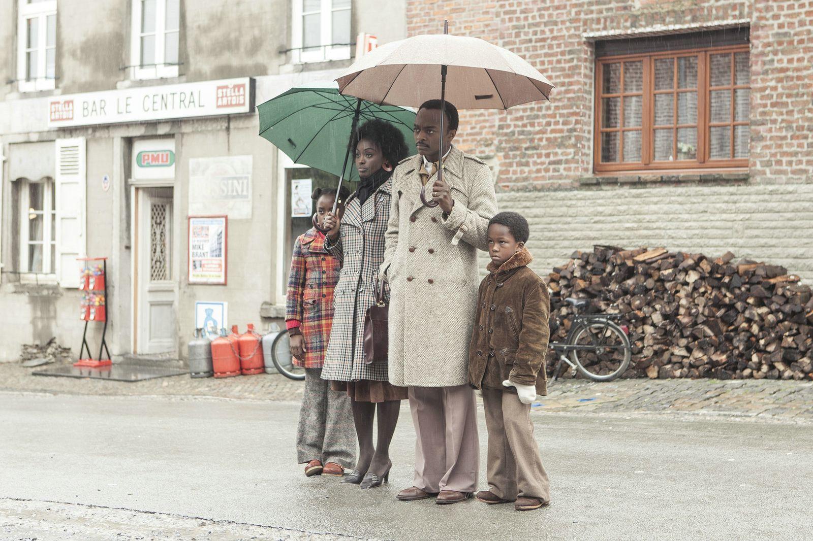 EINMALIGE VERWENDUNG Film/ Ein Dorf sieht schwarz VID