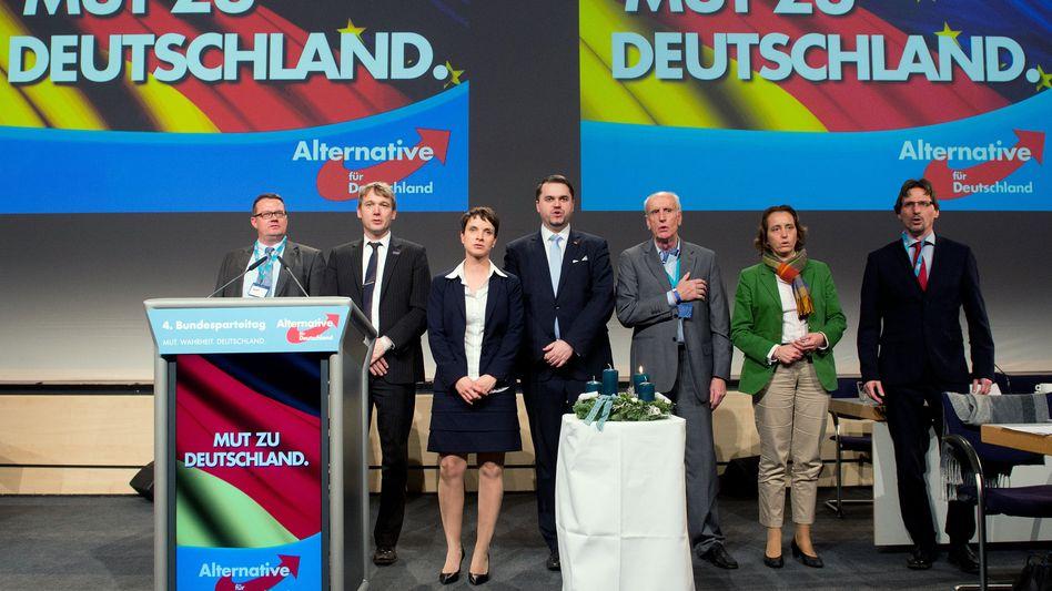 AfD-Bundesparteitag (2015 in Hannover): Parteigründungen sind oft eine chaotische Angelegenheit