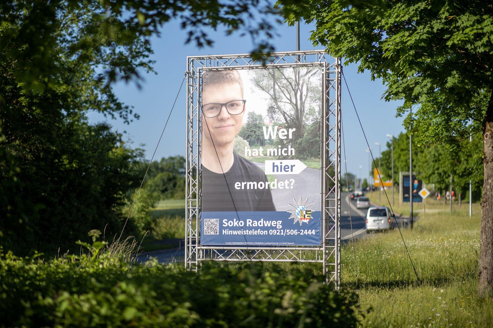 Polizei sucht Täter mit großem Plakat