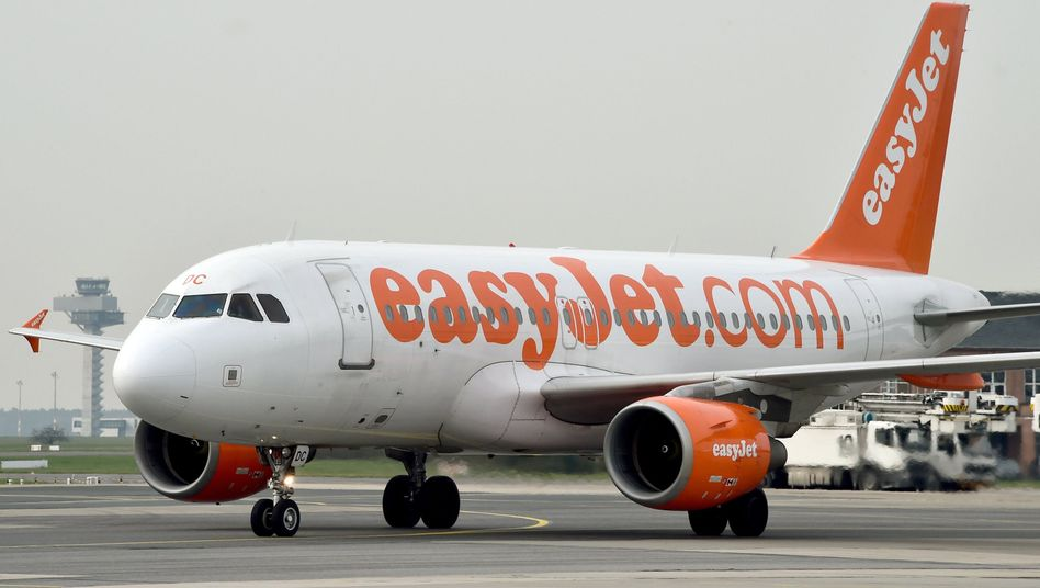 Easyjet-Maschine in Berlin (Archiv)