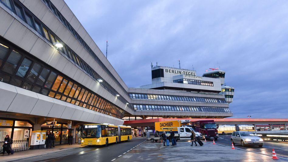 Gebäude vom Flughafen Berlin-Tegel