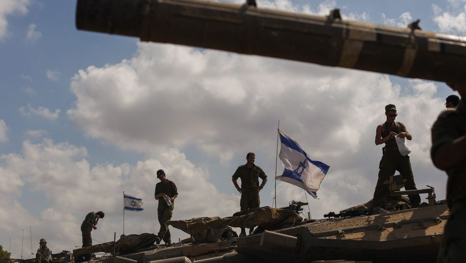 Israelische Soldaten nahe der Grenze: Kämpfe sollen für drei Tage ruhen