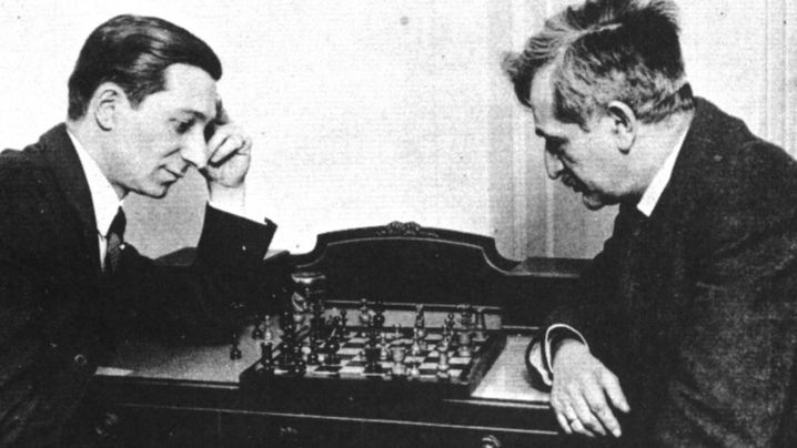 Schachfamilie: Elf Spieler, zwei Laskers im Turnier