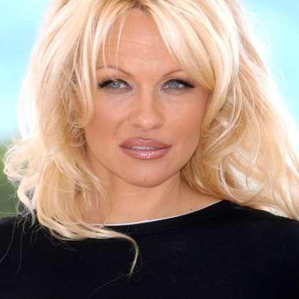 Hepatitis-C-Patientin Pamela Anderson: Indiz für die Viruslüge