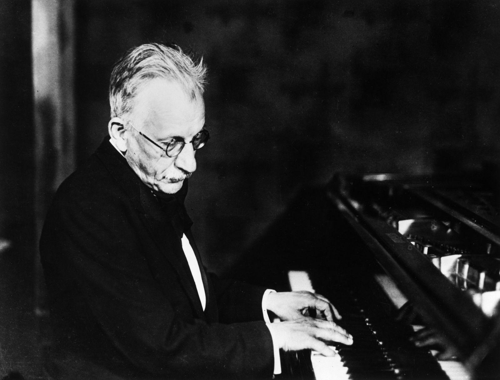 Hans Swarowsky - Hans Pfitzner (1869 - 1949)