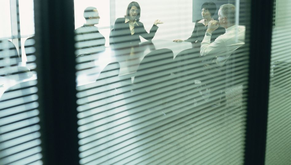 "Meeting im Büro: ""Geschlossene Gesellschaft"" auf Führungsebene"