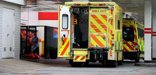 Corona-News am Donnerstag: Tote und Chaos wegen langer Wartezeiten vor Notaufnahmen in England
