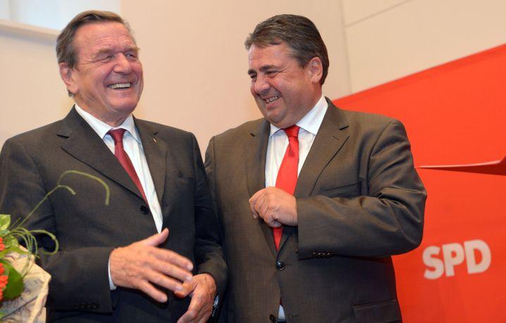 Sozialdemokraten Gabriel, Schröder (Archivbild vom September 2013)