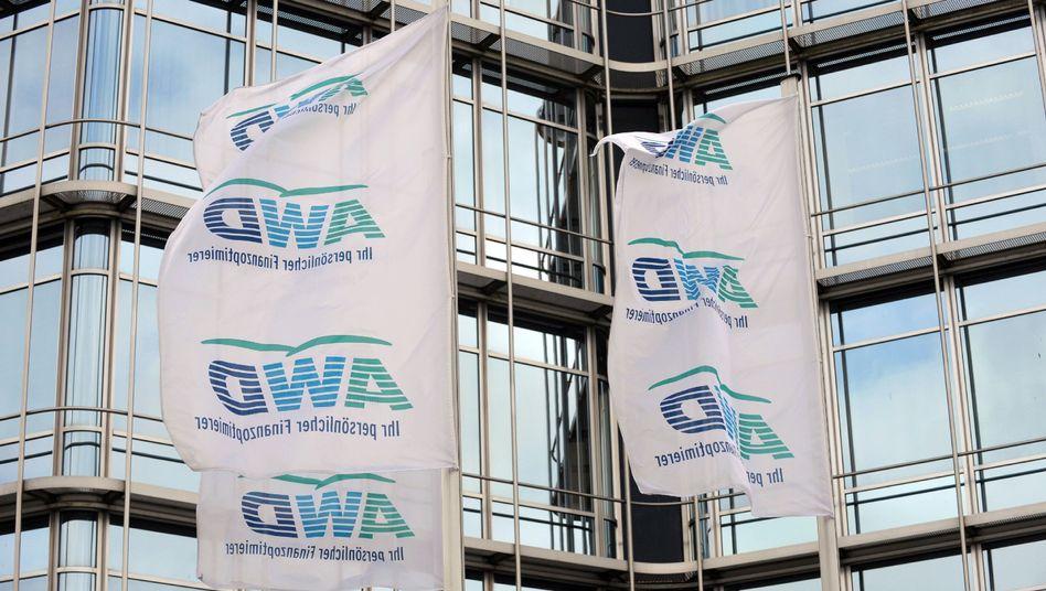 AWD-Zentrale in Hannover: Interna im Internet, Kundendaten im Umlauf