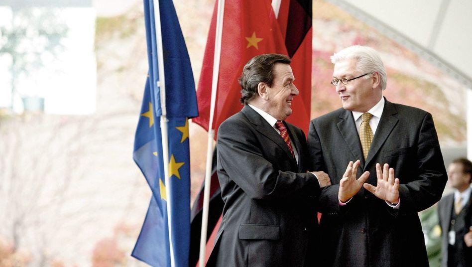 Kanzler Schröder, Kanzleramtschef Steinmeier 2005