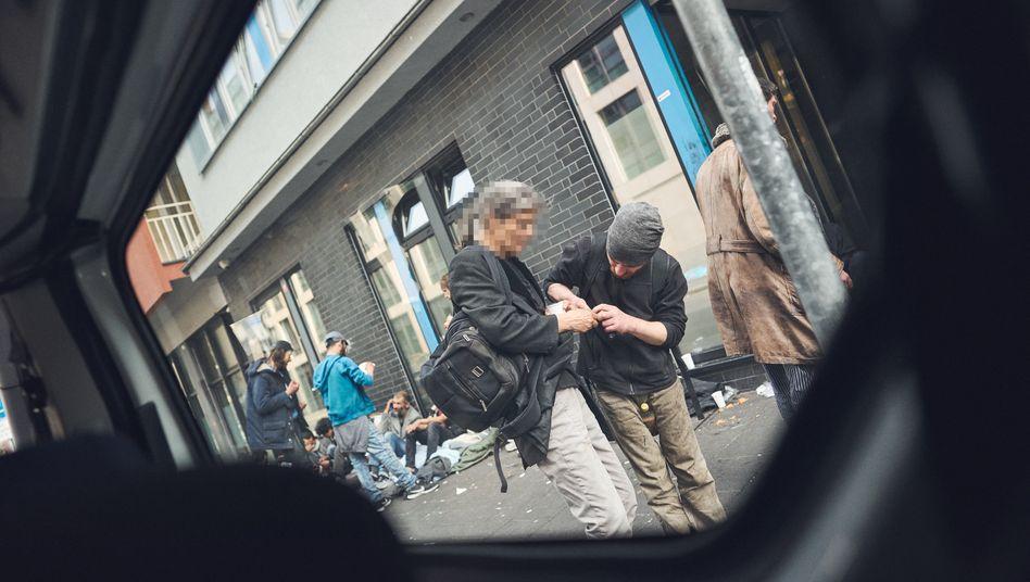 """Drogensüchtige im Frankfurter Bahnhofsviertel: """"Besonders bedrohliche Situation"""""""