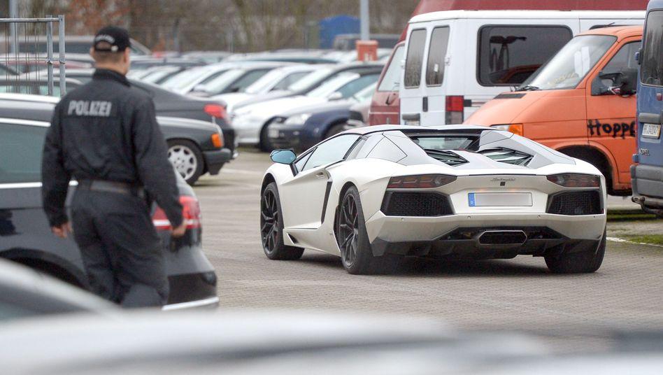 Lamborghini von Ex-Fußballer Tim Wiese auf einer Verwahrstelle (Archivfoto)