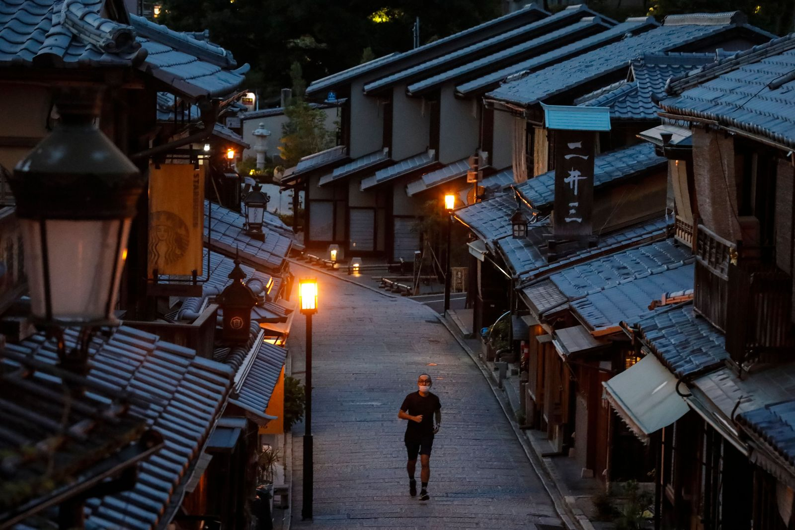Japan's ancient imperial capital Kyoto temains under state of emergency - 17 May 2020