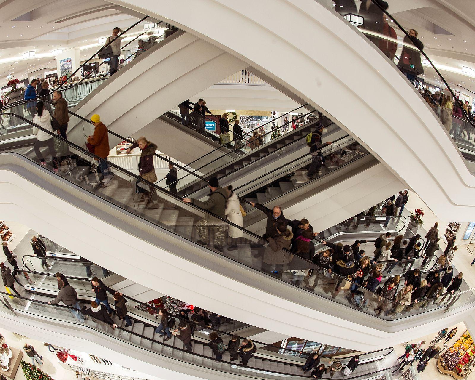 SYMBOLBILD Konsum/ Deutschland/ Weihnachtseinkauf