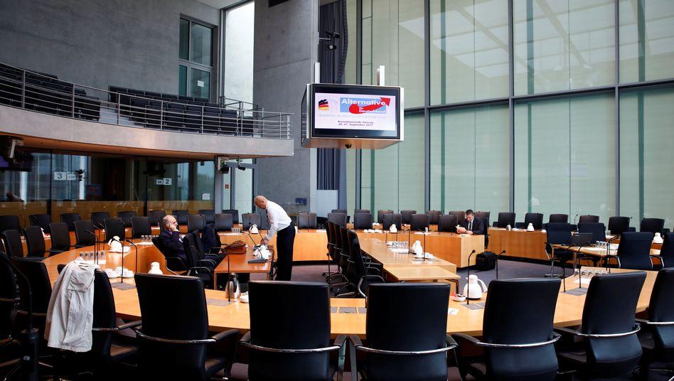 Saal im Bundestag vor erster Fraktionssitzung der AfD