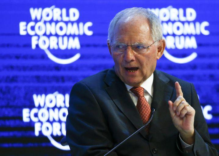 """Schäuble in Davos: """"Ganze Summe schwer abschätzbarer Entwicklungen"""""""