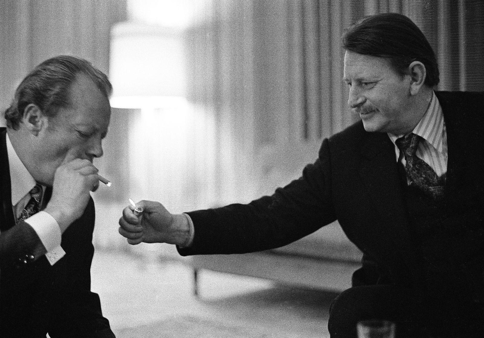 EINMALIGE VERWENDUNG Willy Brandt / Klaus Harpprecht
