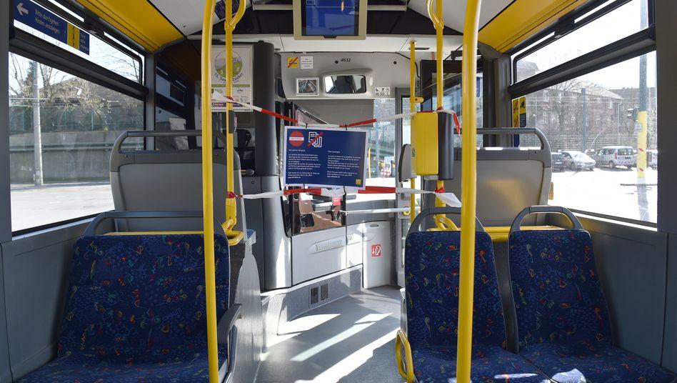Bus in Essen: Verkehrsbetriebe verzeichnen den Ländern zufolge 70 bis 90 Prozent weniger Fahrgäste